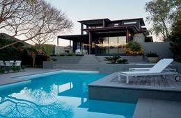 Textured: Mairangi Bay House