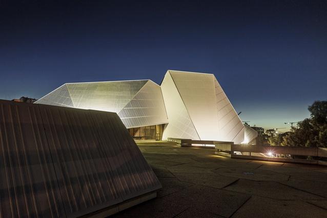 Adelaide Festival Centre, Hassell (1965–80).