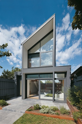 This North Fitzroy renovation was undertaken by AM. Architecture.
