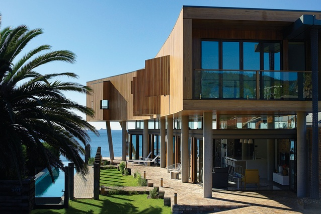 Austinmer Beach House (NSW) by Alexander Symes Architect in association with G+V Architecture.