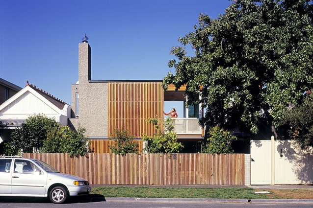 Upside Down House, 2005. A continuous landscape that brings the garden up and over the lower level sleeping areas turns the standard housing typology on its head.
