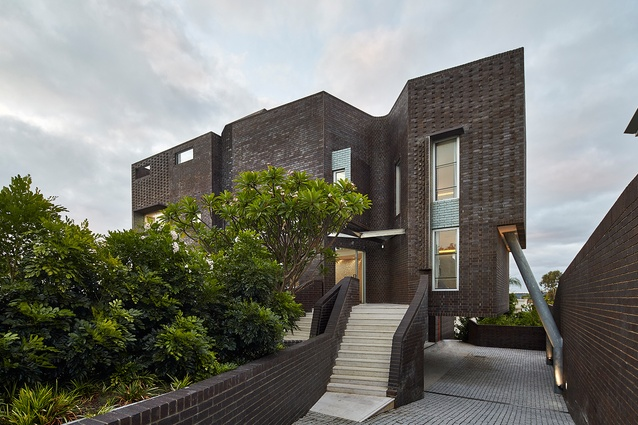 Applecross House (WA) by Iredale Pedersen Hook Architects was the Grand Prix winner at the 2016 Think Brick Awards.