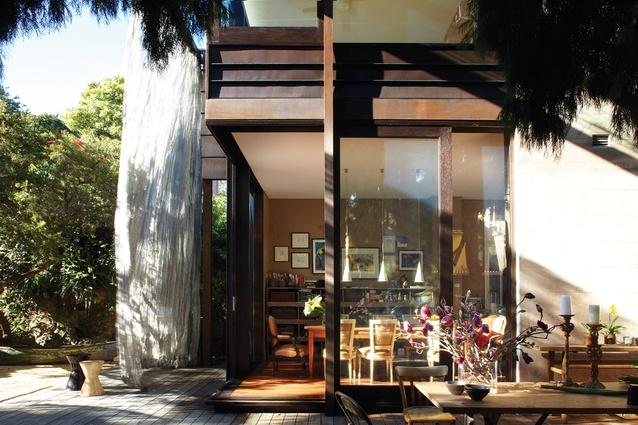 Glass loggia house architectureau for Loggia house