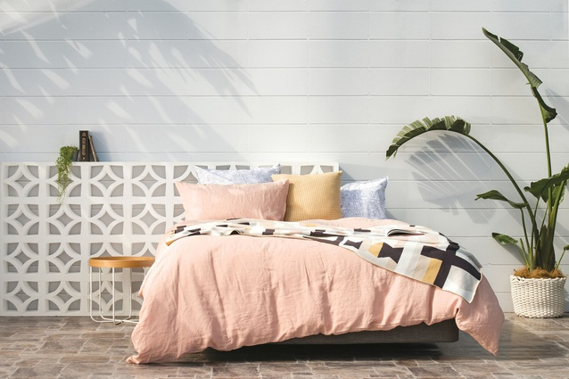 Citta <i>Wish You Were Here, Postcards from Palm Springs</i> collection featuring the Sove Linen Duvet Cover Frey Cotton Knit Throw.