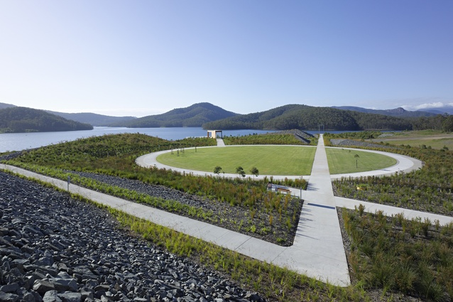 Site seeing a decade of australian landscape architecture for Landscape architect gold coast