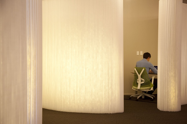 A quiet work zone behind a Molo Softwall.