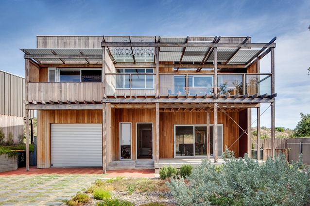 Goolwa Beach House by Grieve Gillett.