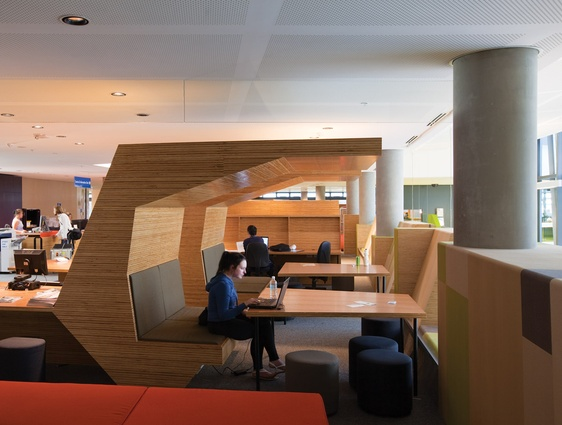 The learning commons combines flexible individual and collaborative learning spaces.