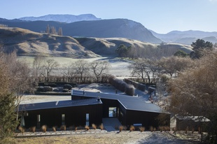 A home in the mountains: Speargrass Flat House