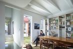 Suburban illusion: Laneway House