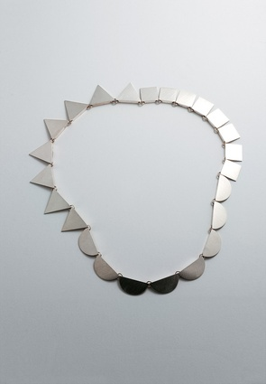 Necklace; 1987. Dowse Art Museum.