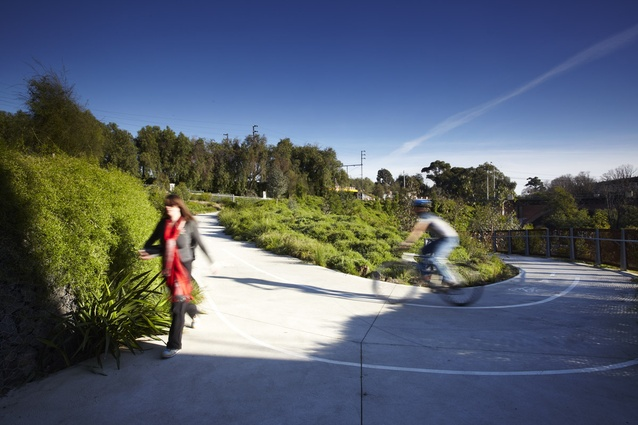 South bank path intersection - Gradients were carefully calculated, seamlessly integrating  access from High Street, Merri Creek Trail & Clifton Hill.