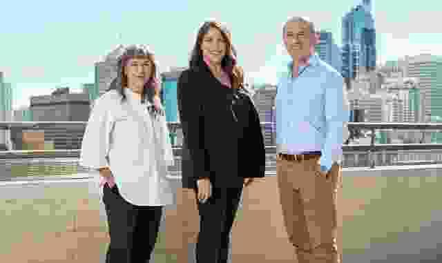 Tonya Hinde, Tara Veldman和Steve Trevenar。