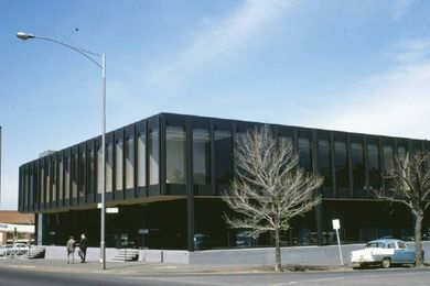 Flagstaff House at 407 King Street, Melbourne by Yuncken Freeman (1955).