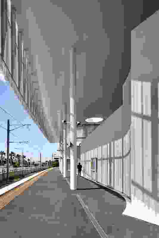 Frankston Station by Genton Architecture and McGregor Coxall.