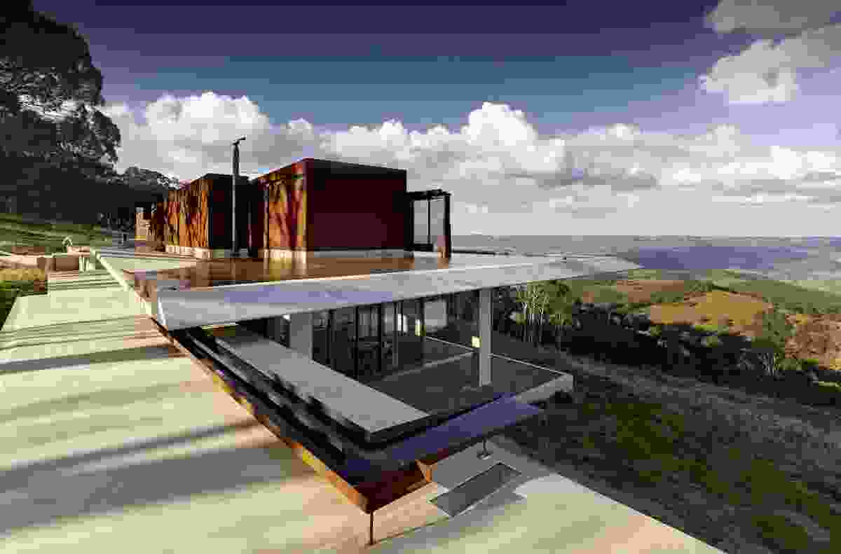 Invisible House by Peter Stutchbury Architecture (2012).