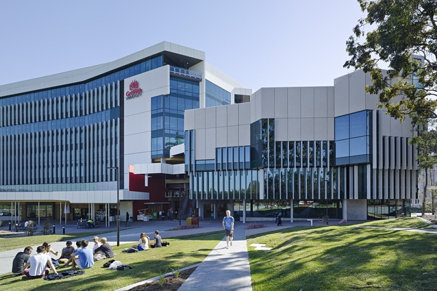Griffith Health Centre by Cox Rayner Architects in association with Hames Sharley.