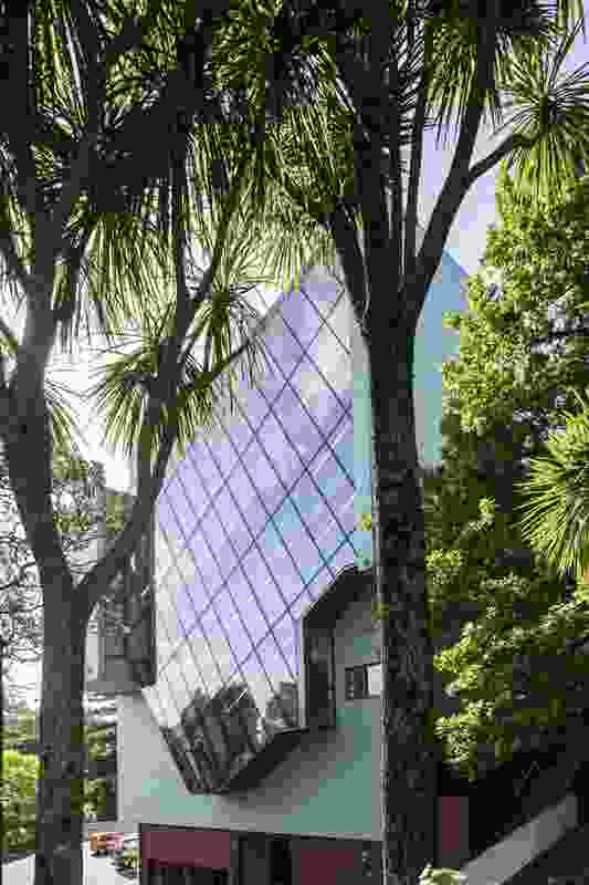 Te Uru Waitakere Contemporary Gallery extension, Titirangi – southern elevation with a glass-sheathed staircase.