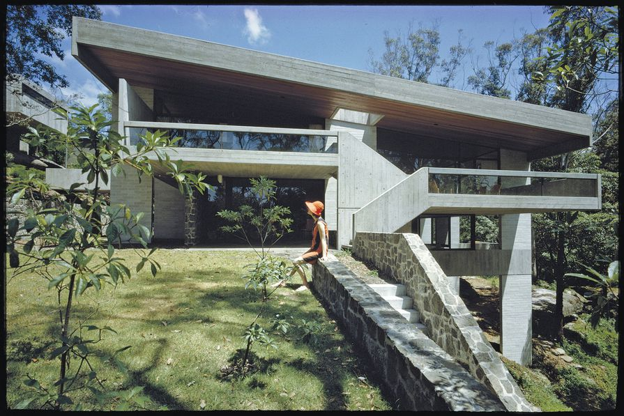 Penelope Seidler at the Killara House, 1967.
