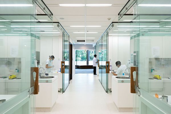 University of Queensland Oral Health Centre by Cox Rayner.