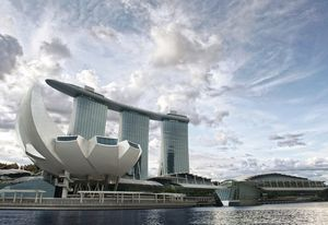 Marina Bay Sands Resort (2011) in Singapore by Safdie Architects.