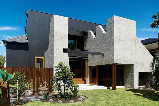 Hampton House by Kennedy Nolan Architects extends an Edwardian dwelling.