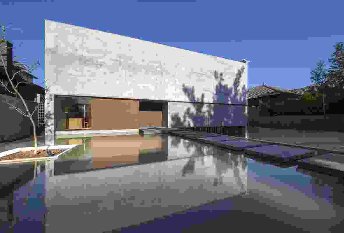 Mexican Contemporary House by Andres Casillas de Alba and Evolva Architects.