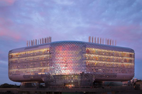 The South Australian Health and Medical Research Institute (SAHMRI) by Woods Bagot.