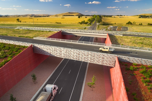 Remembrance Drive Interchange – Oculus Landscape Architects.