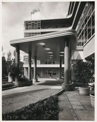 Porte-cochére at the main entrance of the King George V Memorial Hospital for Mothers and Babies, Camperdown, Sydney, 1941, by Stephenson & Turner. Gelatin silver photograph by Milton Kent.