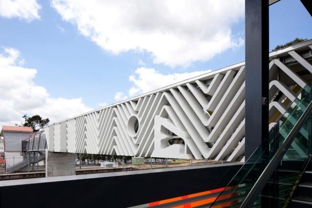 Yeerongpilly Footbridge by m3architecture.