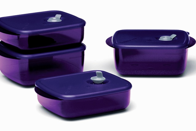 Heat N' Eat Tupperware.