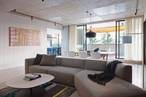 Airlie Bank Apartment by Neometro with McAllister Alcock Architects