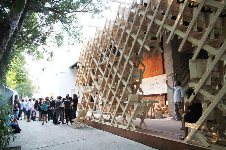 Sydney Architecture Festival 2012: a Tin Sheds Galleryexhibition–User-Generated Architecture: Generator/Sedia Veneziana, raumlabor Berlin, 2010.