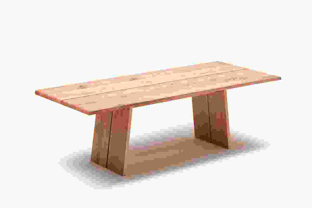 The solid wood Nox table has a 3.8 cm thick tabletop and is up to 3 m long.