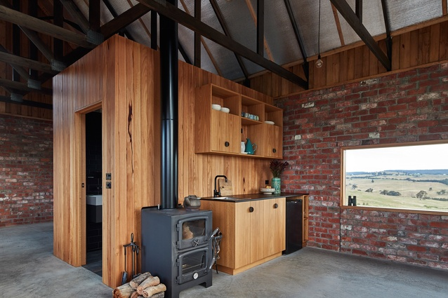 Nulla Vale House and Shed by MRTN Architects.