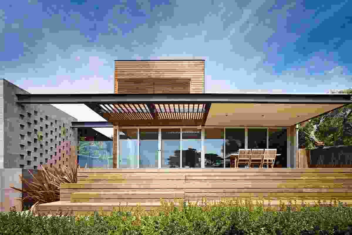 New House over 200m² – Mt Martha Beach House by Pleysier Perkins.