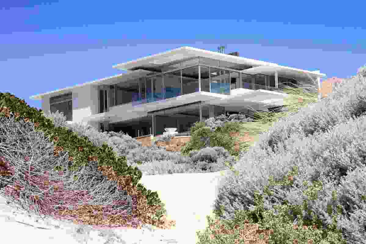 Avalon Bay Beach Residence by Banham Architects.