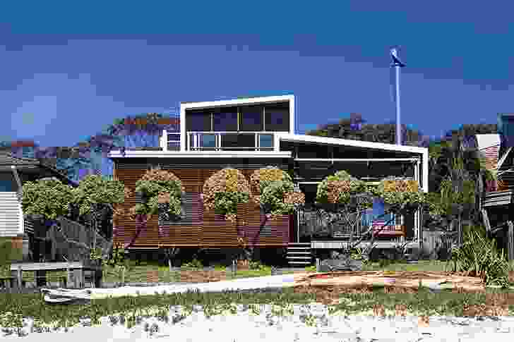 Bundeena Beach House (2004): Built on the edge of Sydney's Royal National Park.