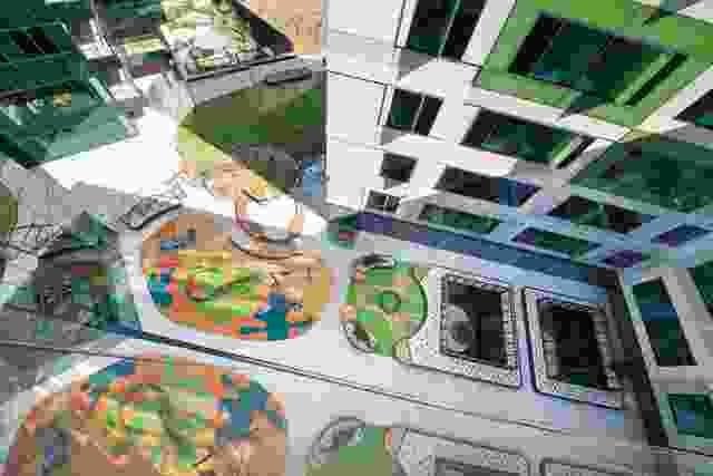 公共播放空间,由Fiona Robbe景观建筑师设计。
