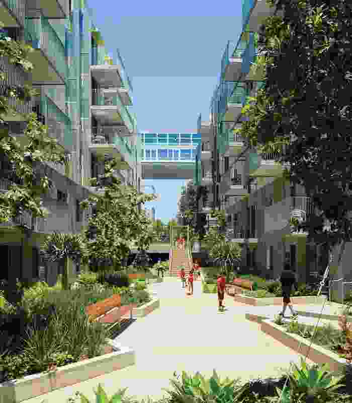 The Belmar Apartments in Santa Monica, California (2014) contributes 160 units of affordable housing to the Ocean Avenue South Development on one side of a public walk. Collaborators: Moore Ruble Yudell Architects and Planners (masterplan partner), KTGY Architecture and Planning (architect of record).
