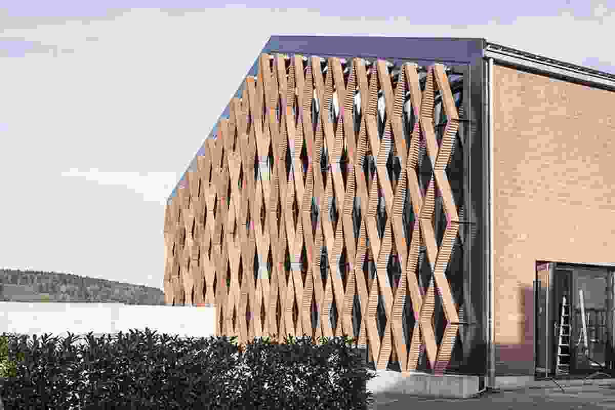 Freestanding brick screen for new facade of Keller brickworks in Pfungen done with  Gramazio & Kohler's robotic construction techniques.