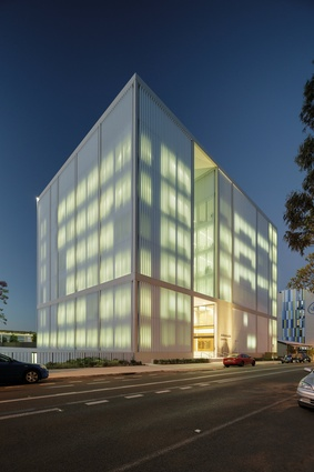 Westmead Millennium Institute (NSW) by BVN.