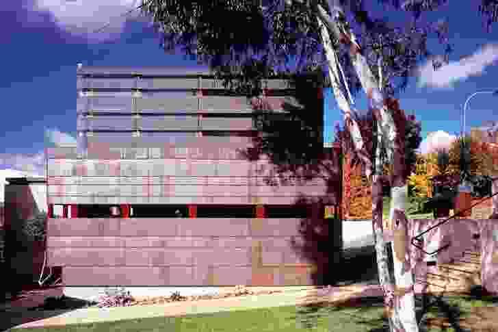 Albury Residence: street facade responds to  seasonal changes.