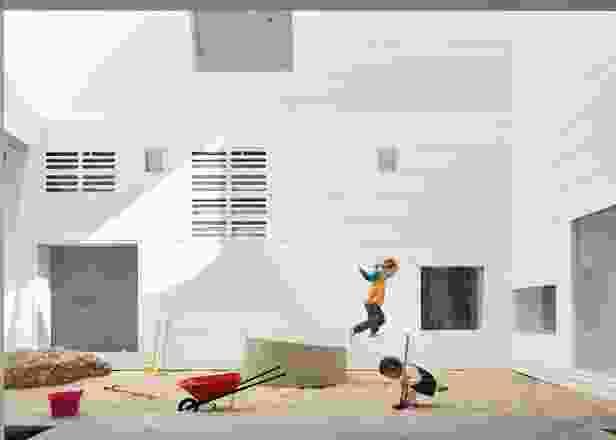 受微型城市概念的启发,东悉尼早期学习中心旨在支持富有想象力的游戏和学习。