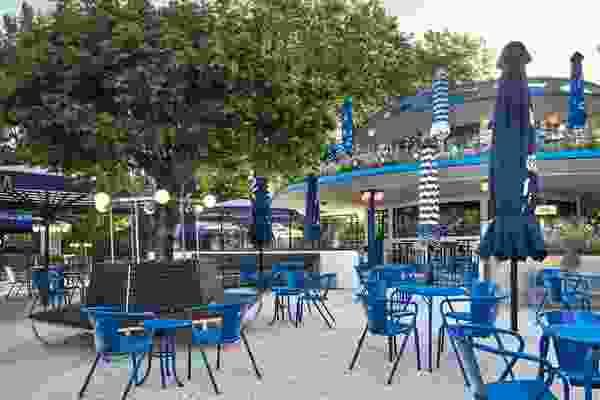 Blauwe Theehuis by Studio Modijefsky.