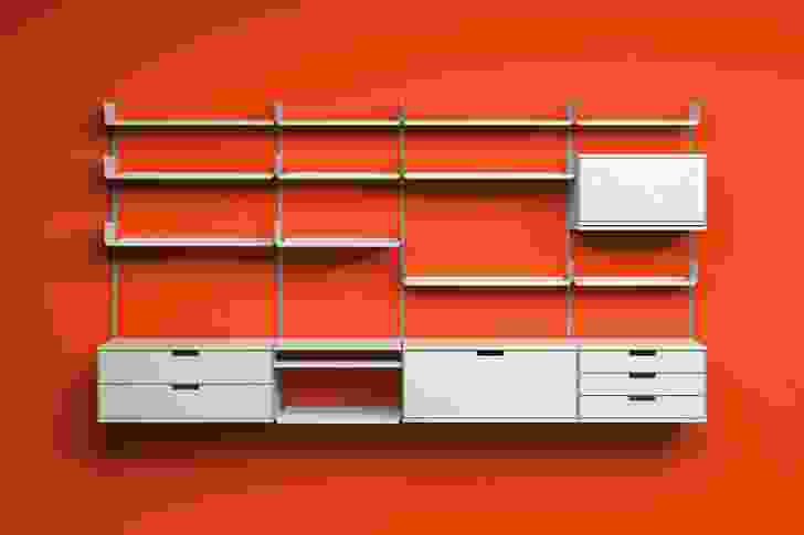 Vitsœ 606 Universal Shelving System.