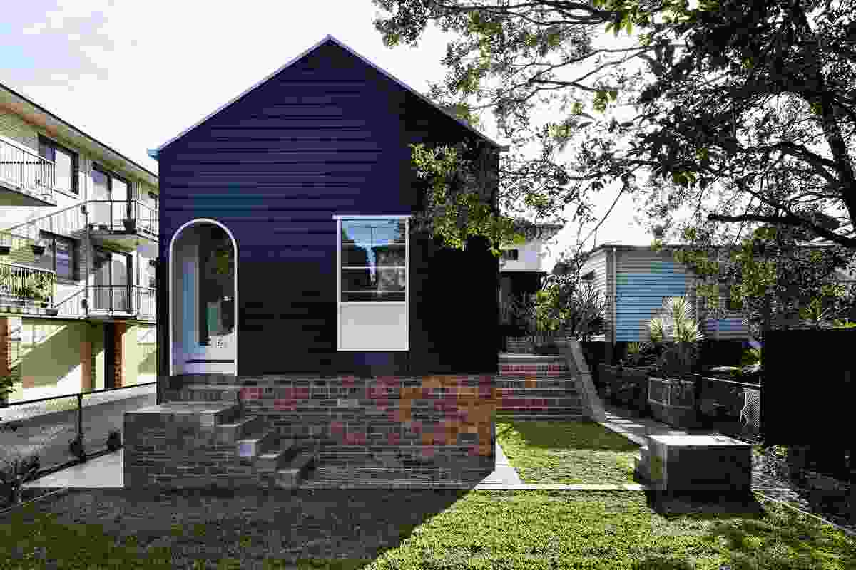 West End Cottage by Vokes and Peters (with Owen and Vokes and Peters).