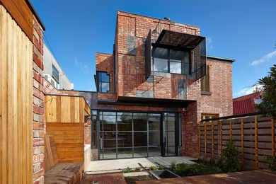 Cubo House, North Fitzroy by PHOOEY Architects.