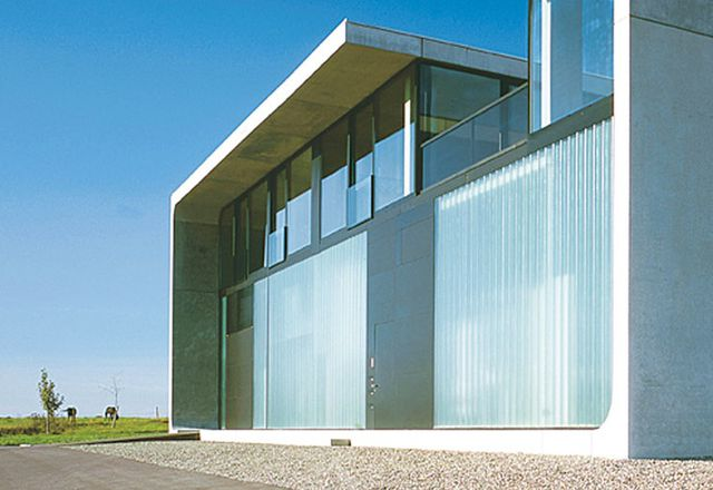 New Modern House: Redefining Functionalism